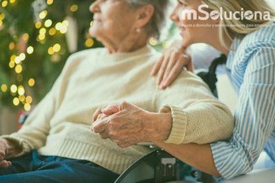 Cómo escogemos en mSoluciona Coruña a un cuidador de mayores